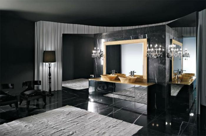 badezimmer-in-schwarz-großer-spiegel