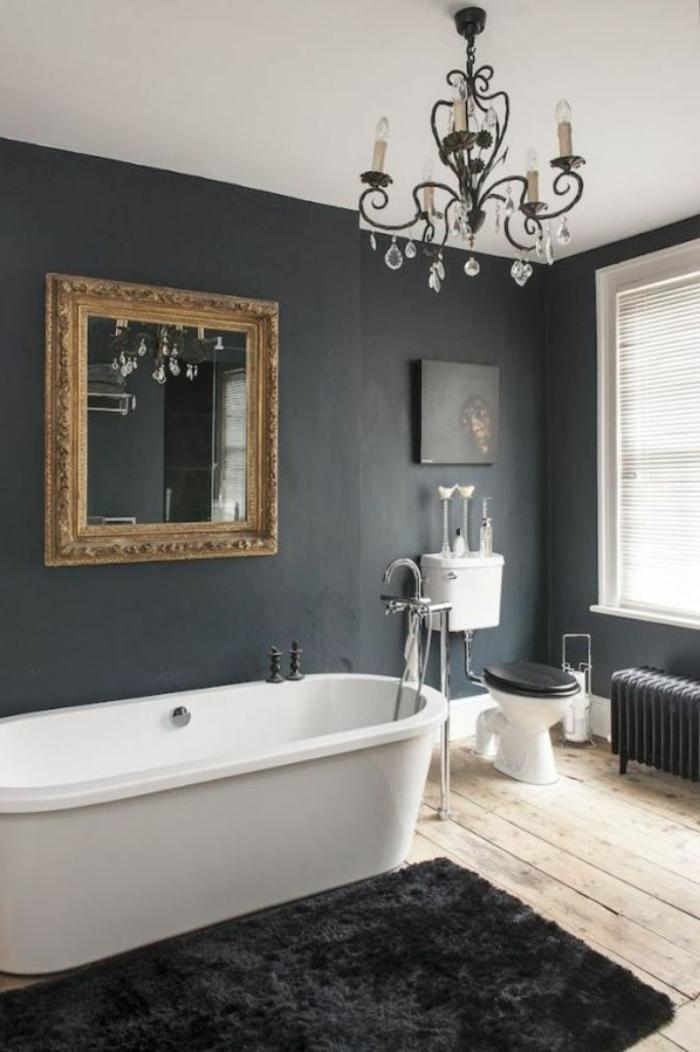 badezimmer-in-schwarz-schöner-kronleuchter