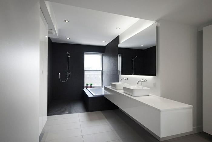 badezimmer-in-schwarz-und-weiß-erstklassig-aussehen