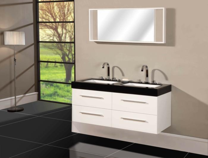 badezimmer-in-schwarz-und-weiß-weißer-unterschrank