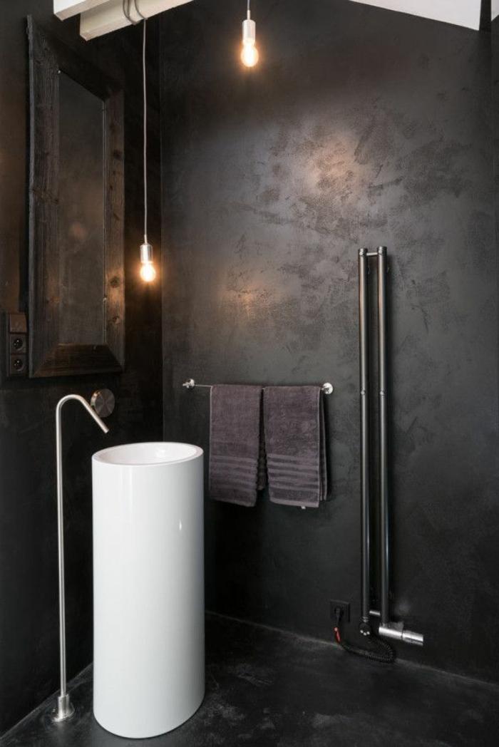 badezimmer-in-schwarz-waschbecken-weiß