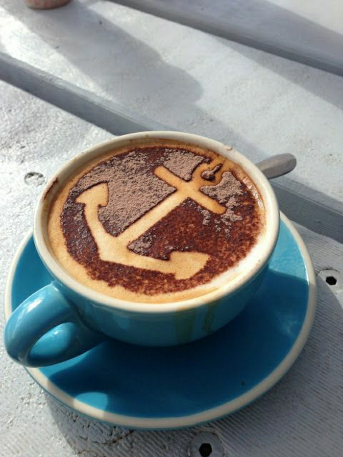 blaue-Cappuccino-Tasse-Anker-Kunst