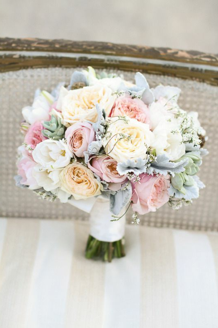 blumensträuße-mit-wunderschönen-blumen-dekoration-deko-mit-blumen-in-pastellfarben