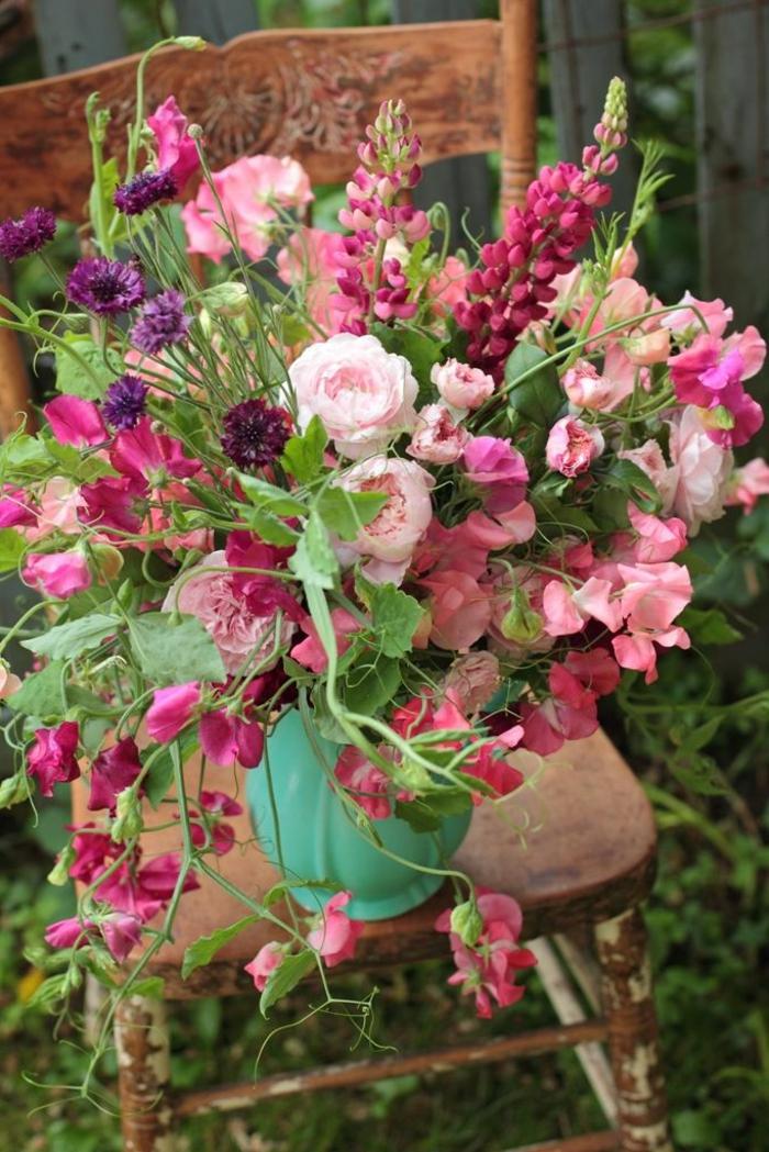 blumensträuße-mit-wunderschönen-blumen-dekoration-deko-mit-blumen-in-rosa