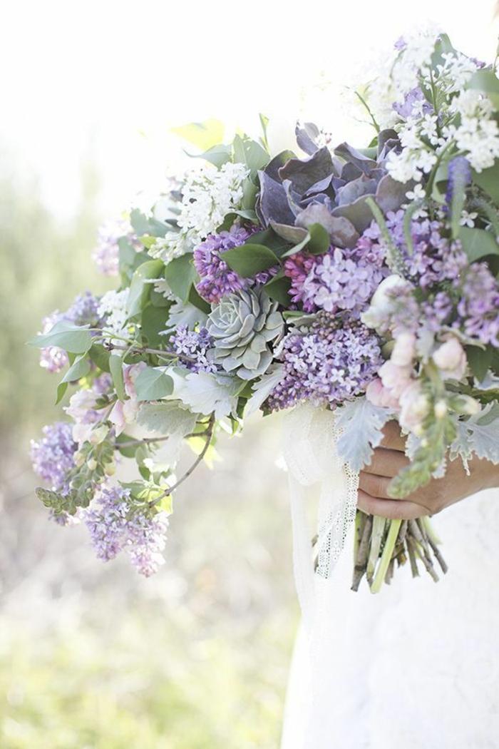 blumensträuße-mit-wunderschönen-blumen-dekoration-deko-mit-blumen-lila--