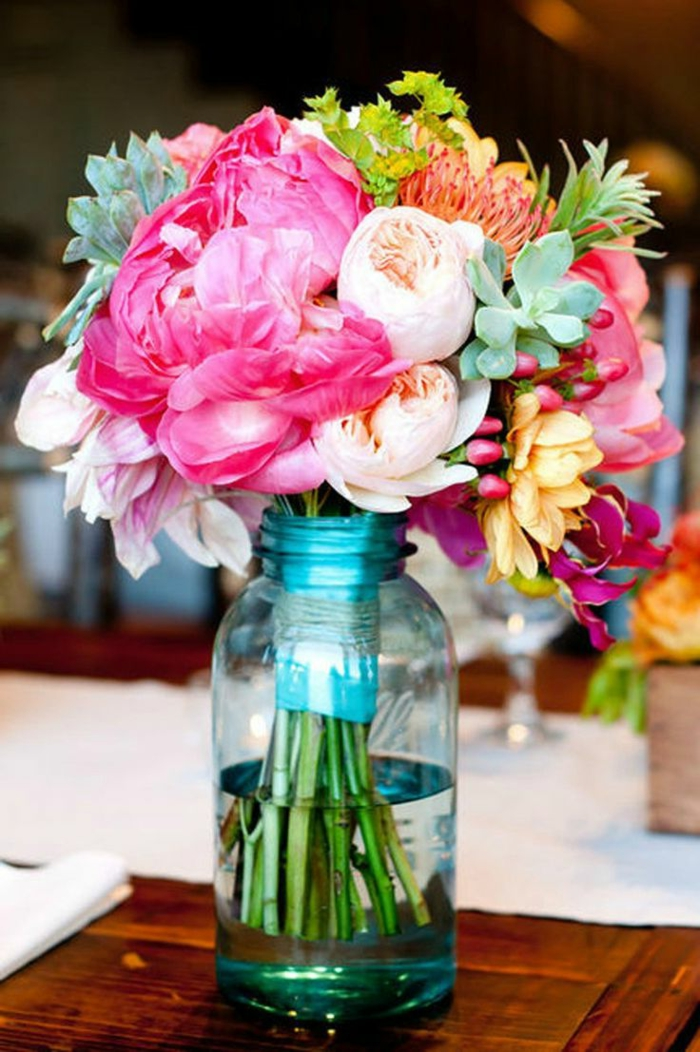 blumensträuße-mit-wunderschönen-blumen-dekoration-deko-mit-blumen
