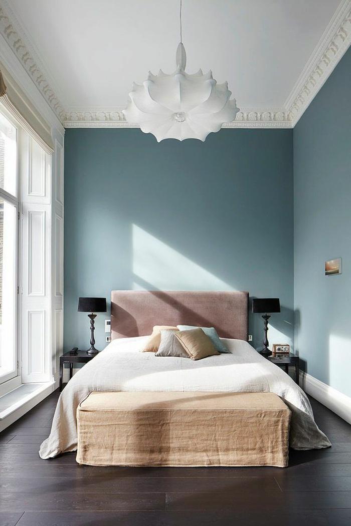deckenbeleuchtung-für-schlafzimmer-blaue-wände