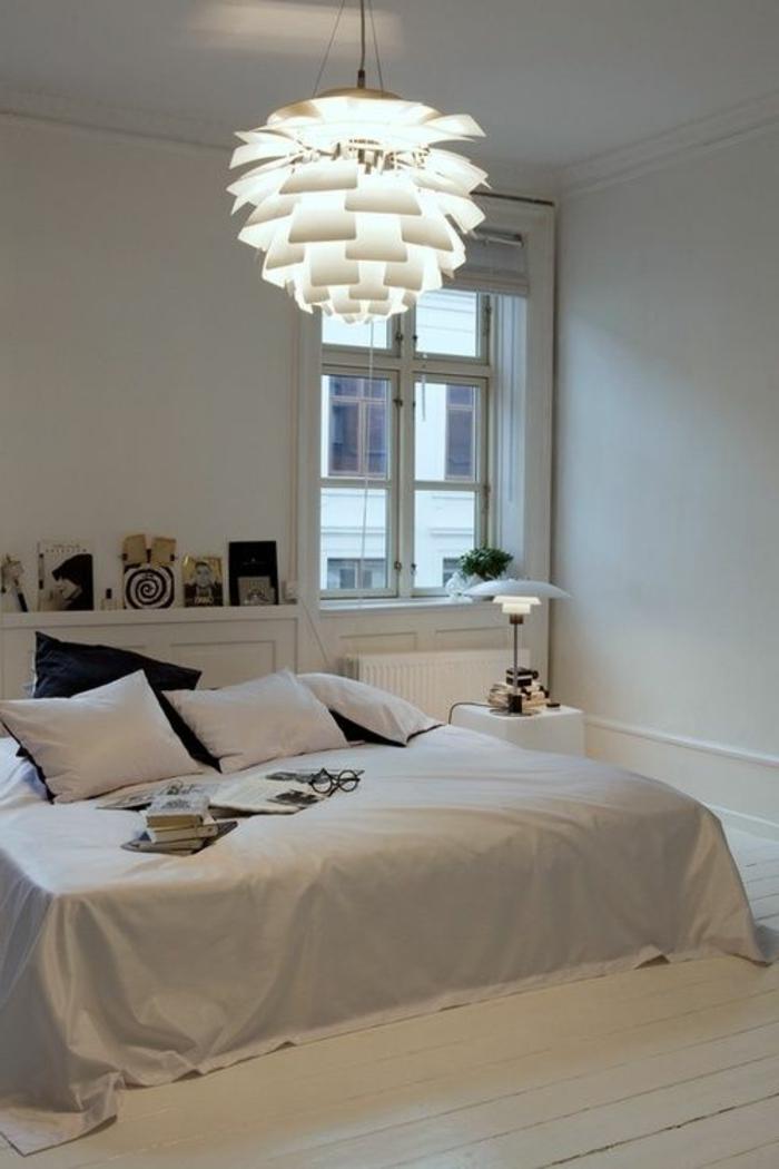 deckenbeleuchtung-für-schlafzimmer-weißer-großer-kronleuchter