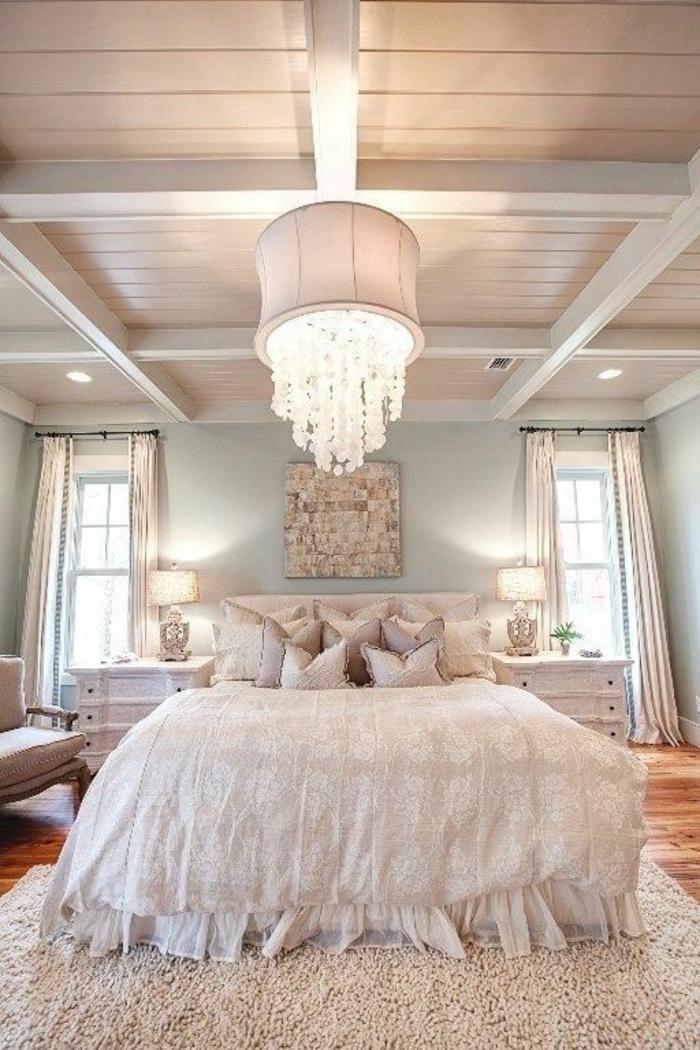 deckenbeleuchtung-für-schlafzimmer-weißes-interieur-elegante-lampe