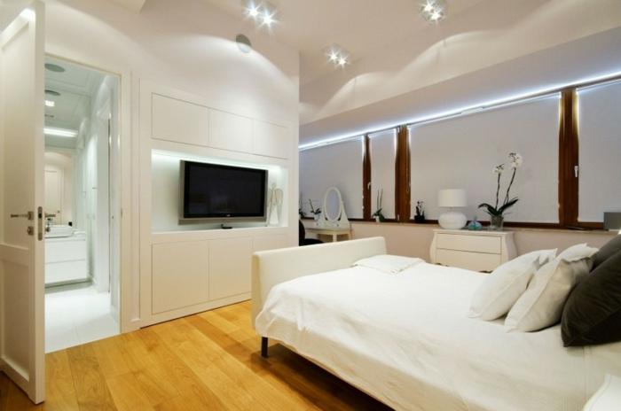 deckenbeleuchtung-für-schlafzimmer-weißes-interieur-schickes-bett-modell