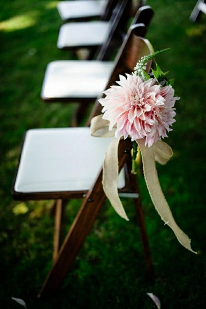 -dekoration-hochzeit-ideen-hochzeitsdekoration-ideen-vintage-hochzeit- blumendeko-hochzeit-rosa-rosen-hochzeitsdeko
