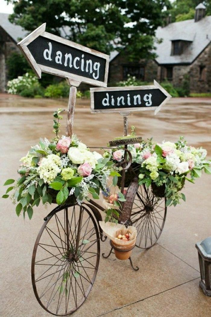 dekoratives-retro-Fahrrad-Blumen-Sträuße-Blumentopf-Schilder