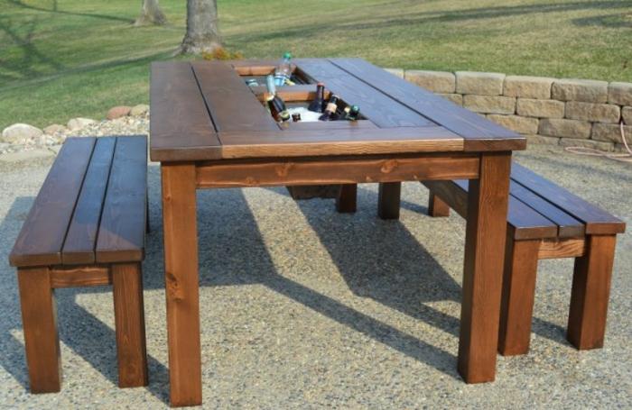 diy-tisch-modell-außen-gestellt-zwei-sitzbänke