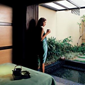 freistehende badewanne luxus und pure eleganz im badezimmer. Black Bedroom Furniture Sets. Home Design Ideas