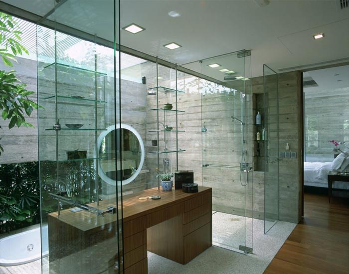 eingelassene-badewanne-gläserne-trennwände