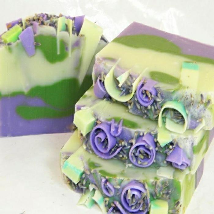 exquisite-handgemachte-Seifen-grün-lila-Dekoration