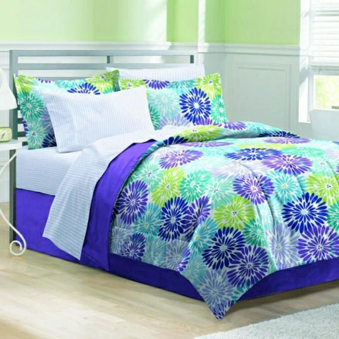 frische-Bettwäsche-lila-blau-grün-weiß