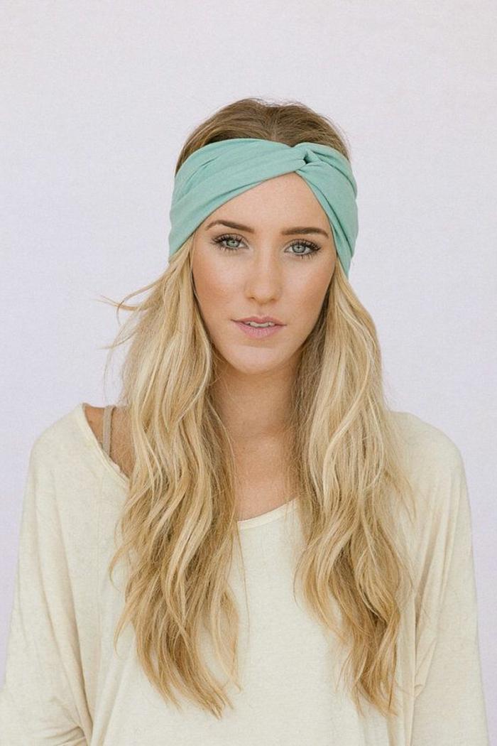 frisuren-mit-haarband-lange-schöne-blonde-haare