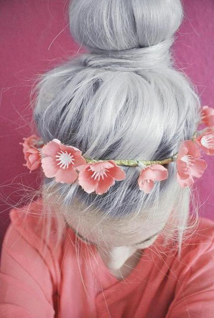 frisuren-mit-haarband-weiße-haare-sehr-interessant
