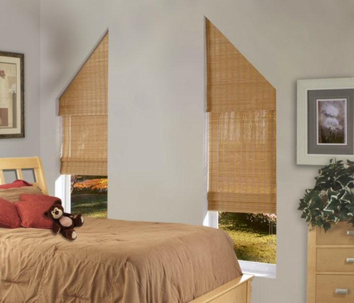 gardinen-für-dreiecksfenster-moderne-und-interessante-pfirsichfarbe