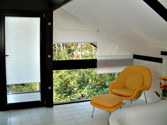 gardinen-für-dreiecksfenster-moderne-und-kreative-ausstattung