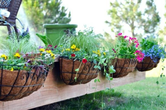 garten-verschönern-sehr-kreative-gestaltung-grüne-pflanzen