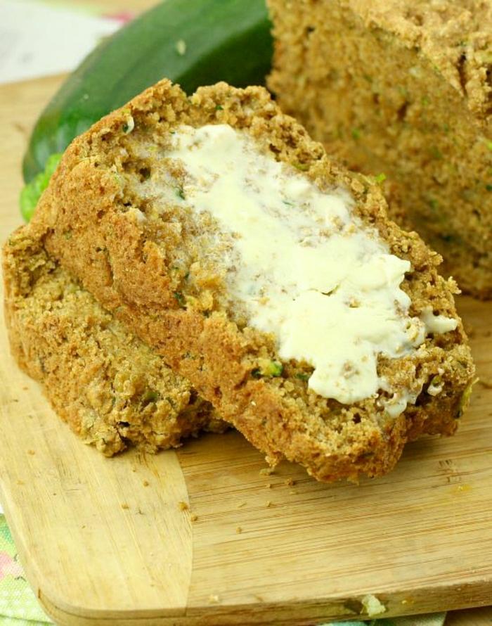 gesundes-Frühstück-Zucchini-Brot