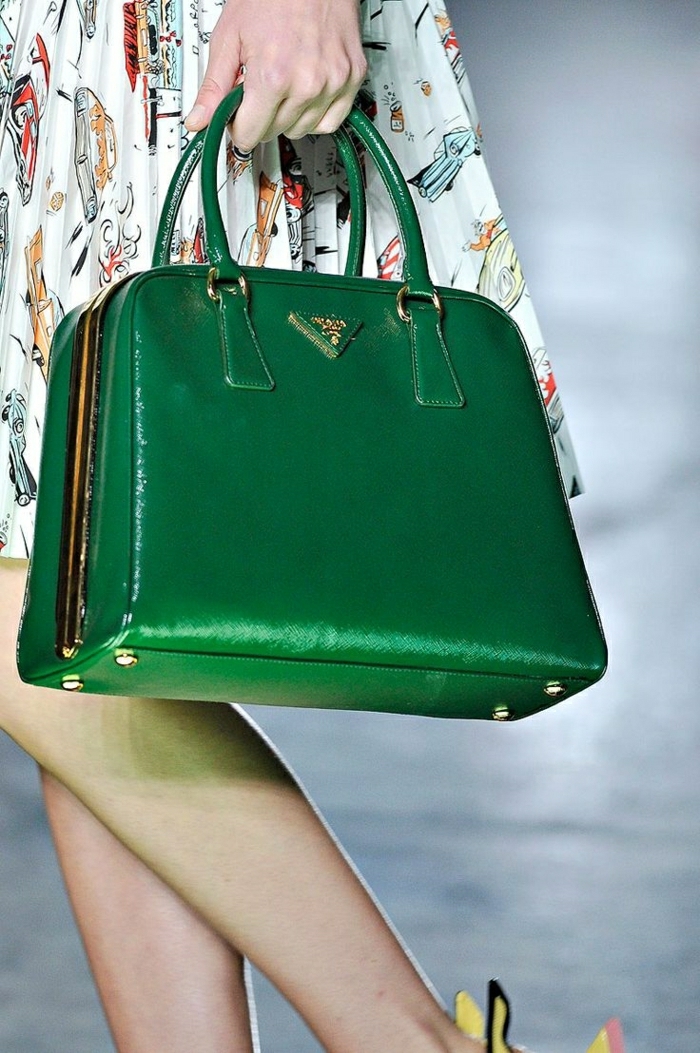 grüne-Prada-Tasche-extravagantes-Modell
