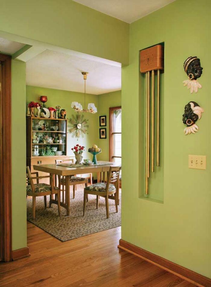 Grune Farbe Feuerwerk : attraktives zimmer  grüne wandfarbe  schönes interieur