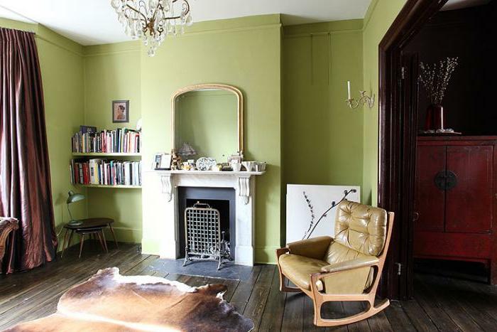 grüne-wandfarbe-gemütliches-wohnzimmer
