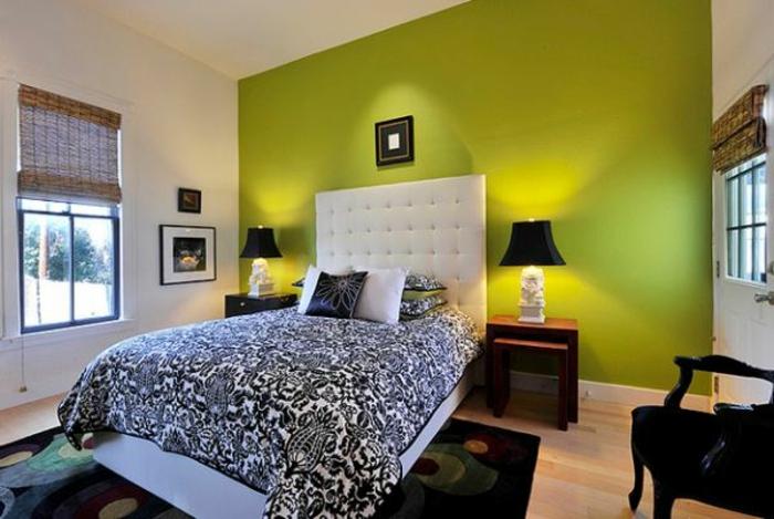grüne-wandfarbe-interessante-beleuchtung-im-schlafzimmer