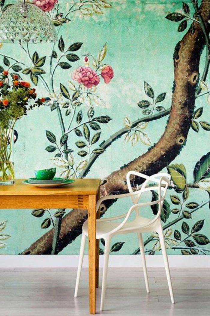 grüne-wandfarbe-schöne-tapeten-mit-florarmotiven