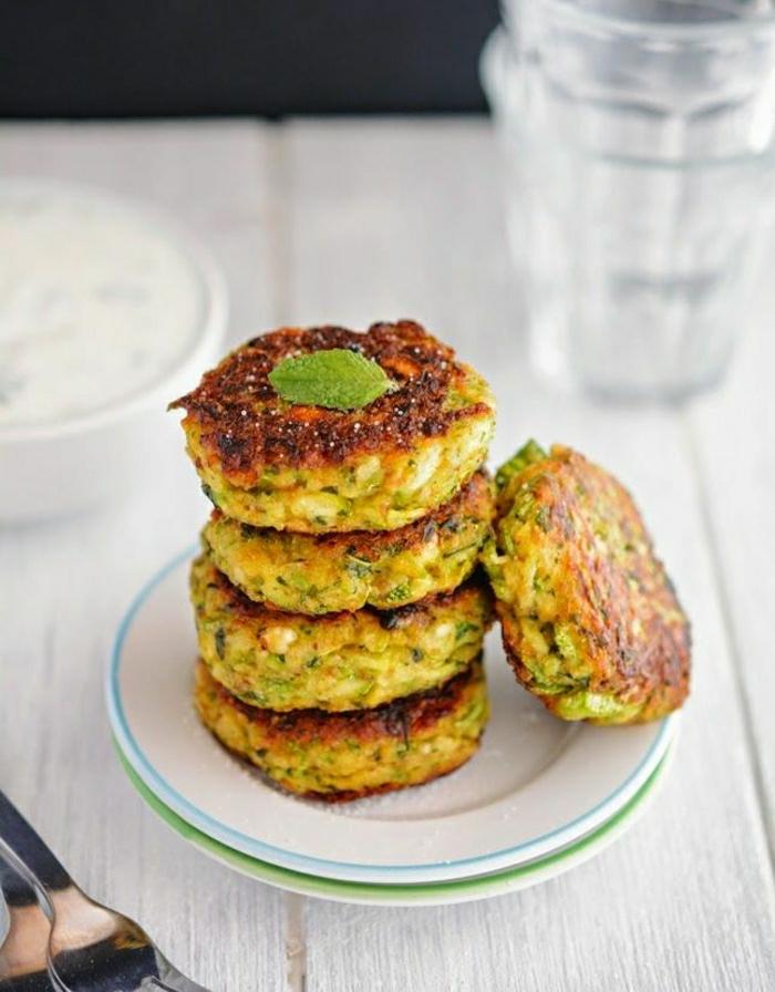 griechische-Zucchini-Patties