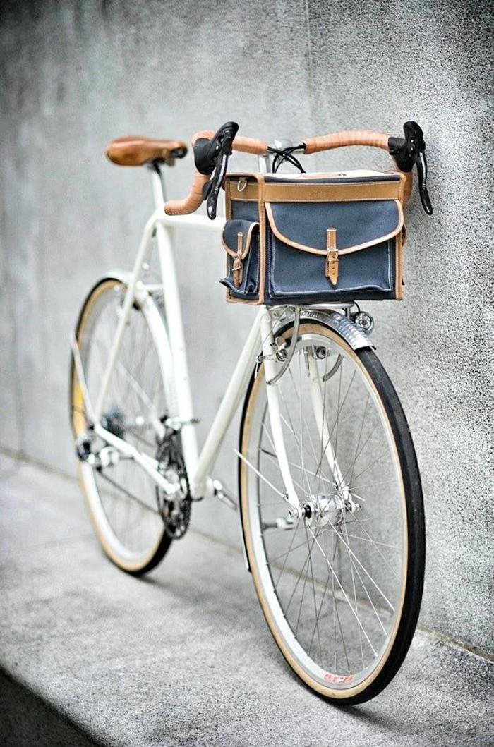 großes-retro-Fahrrad-für-Männer-Tasche