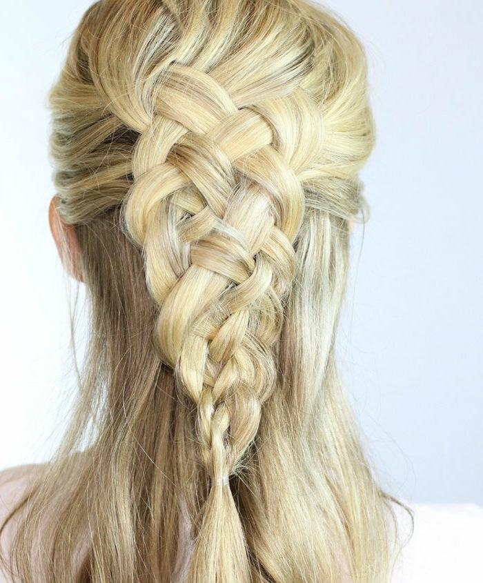 haare-flechten-blonde-herrliche-frisur