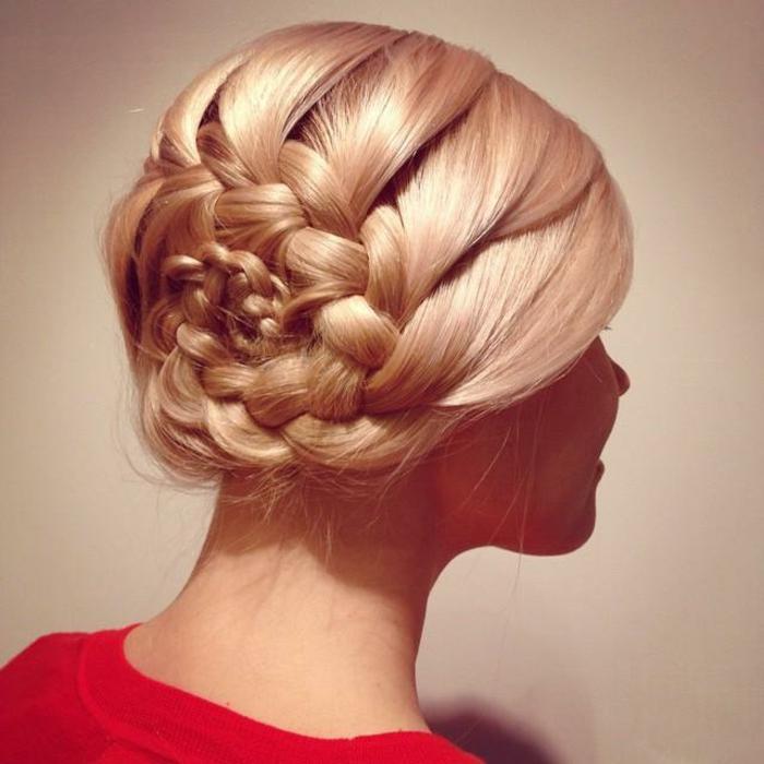 haare-flechten-elegante-frisur-blonde-dame