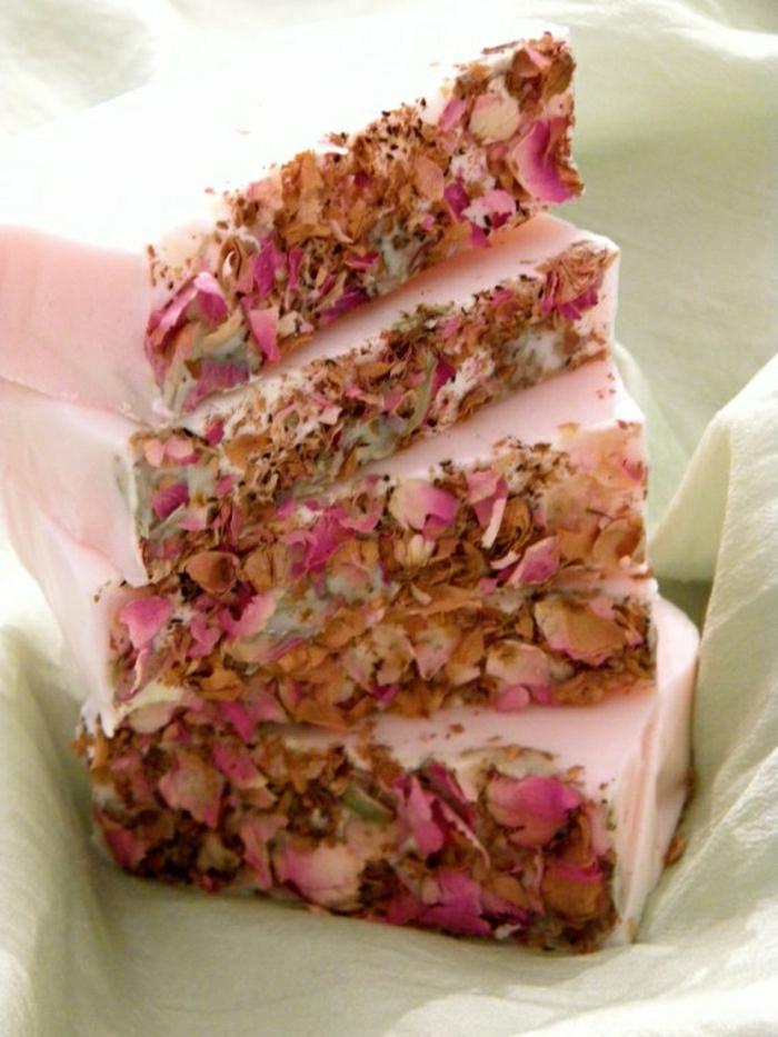 handgemachte-Seifen-getrocknete-Rose