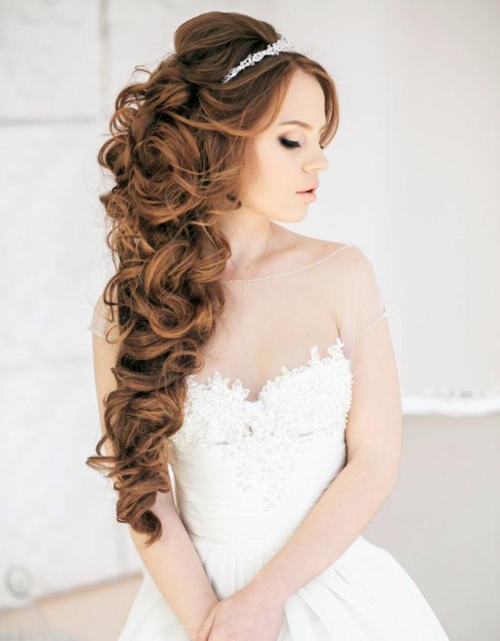 hochzeitsfrisuren-für-lange-haare-üppige-haare-wunderschön-aussehen