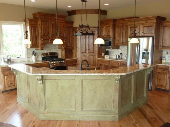 küche-mit-kochinsel-wunderschöne-gestaltung-sehr-modern