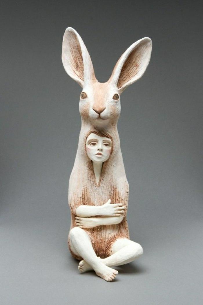 keramische-Skulptur-Mädchen-Hase