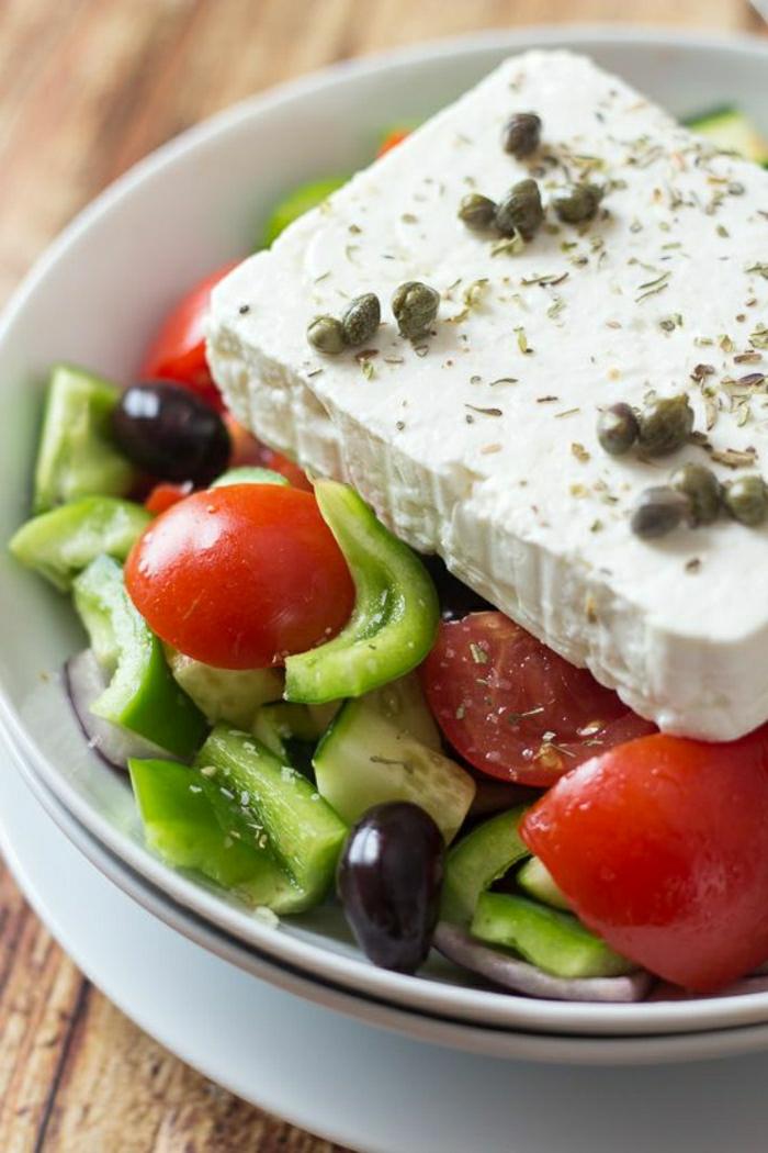 klassischer-griechischer-Salat