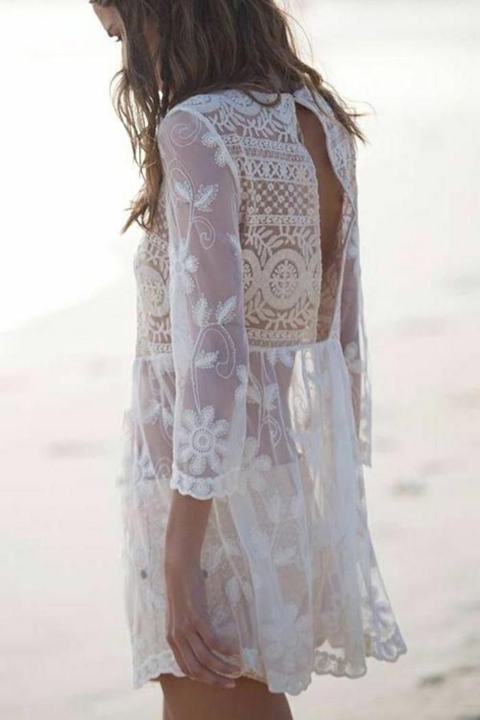 lüftiges-Sommerkleid-weiß-Spitze-Boho-Chic