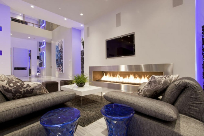Uberlegen Luxus Wohnzimmer Interessanter Kamin An Der Wand