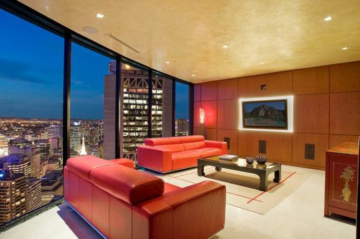 Luxus Wohnzimmer Rote Sofas Gläserne Wände