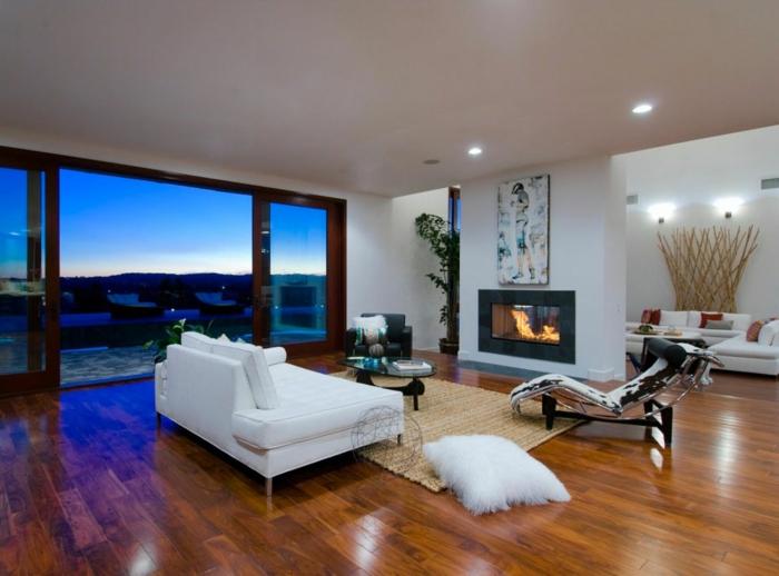 luxus-wohnzimmer-weißes-sofa-gläserne-wände