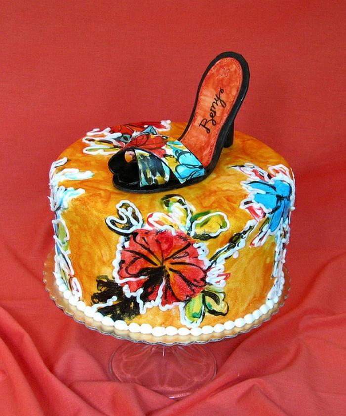 mädchen-torte-shuh-auf-der-torte