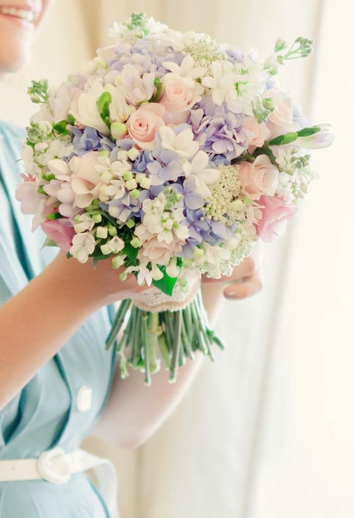 märchenhafte-blumensträuße-mit-wunderschönen-blumen-dekoration-deko-mit-blumen