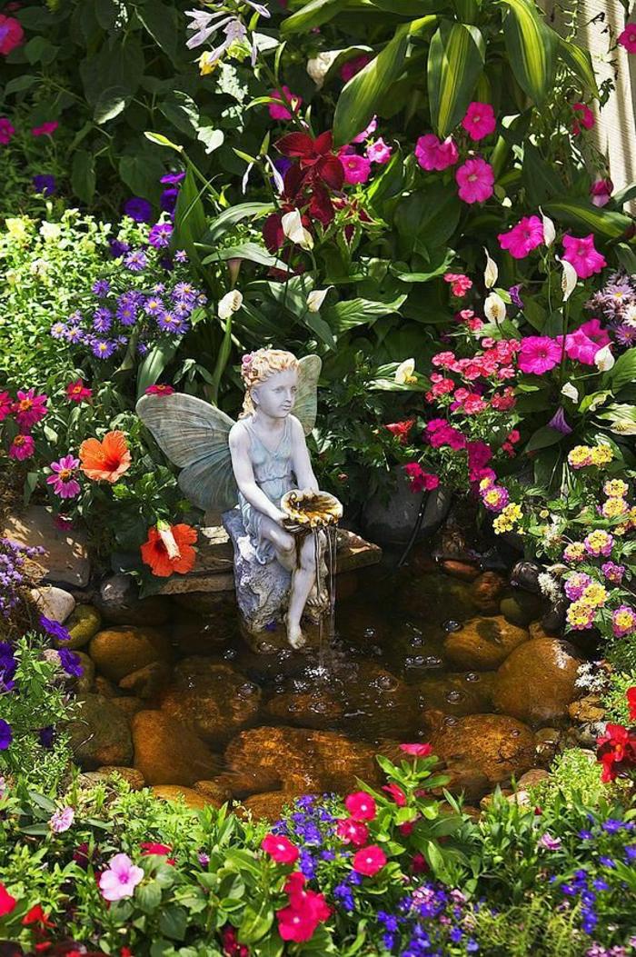 magischer-Garten-Blumen-Statue-Brunnen