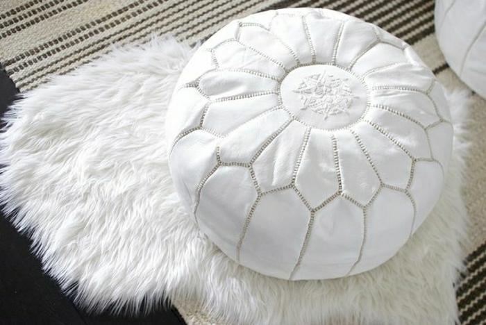 marokkanische-kissen-in-weißer-farbe