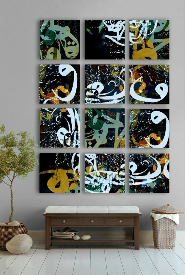 minimalistische-Wohnung-Rattankorb-Blumentopf-moderne-Wandbilder-Hieroglyphen